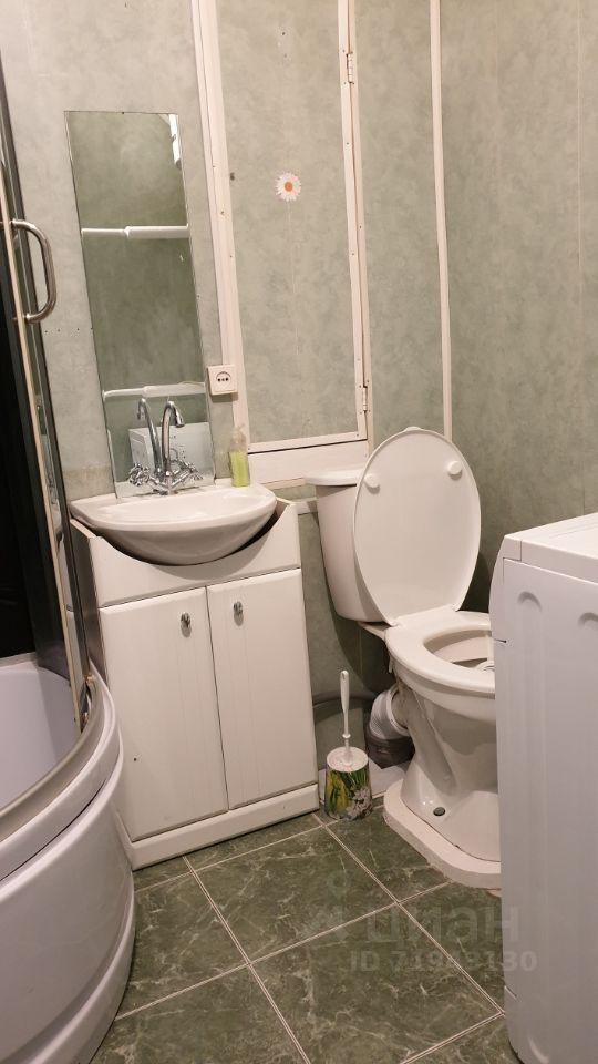 Продажа двухкомнатной квартиры рабочий посёлок Мишеронский, цена 780000 рублей, 2021 год объявление №607332 на megabaz.ru