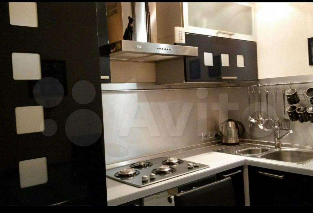 Аренда двухкомнатной квартиры Москва, метро Кропоткинская, Староконюшенный переулок 30, цена 75000 рублей, 2021 год объявление №1411235 на megabaz.ru