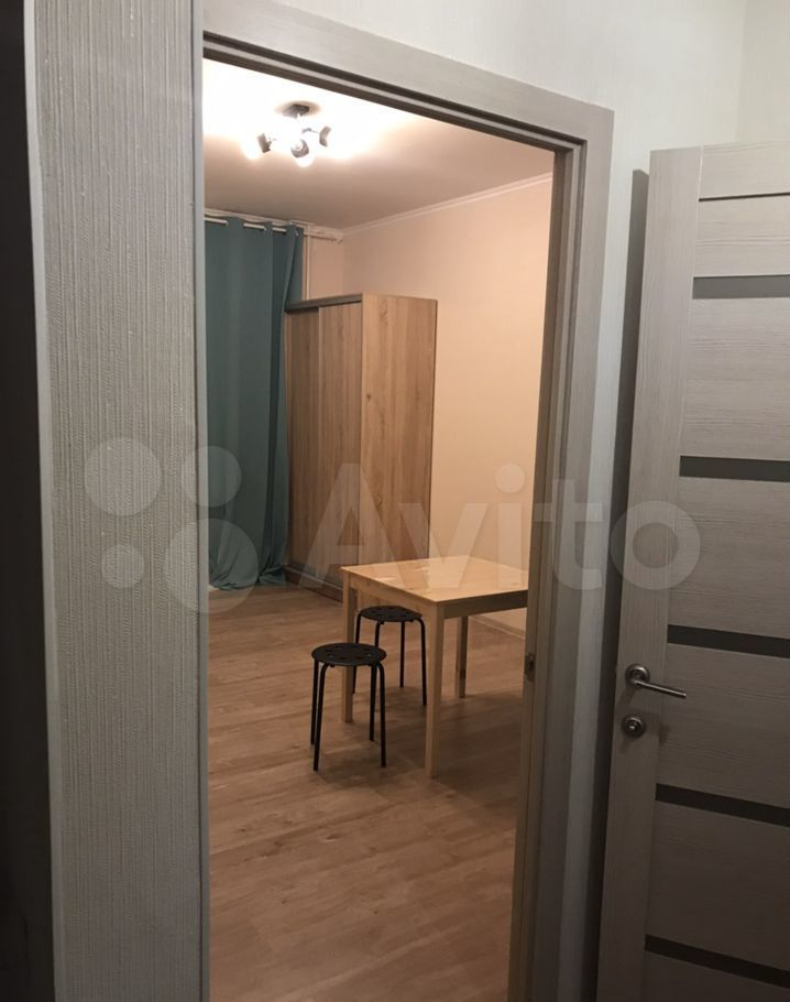 Аренда однокомнатной квартиры деревня Голубое, Парковый бульвар 5, цена 20000 рублей, 2021 год объявление №1432326 на megabaz.ru
