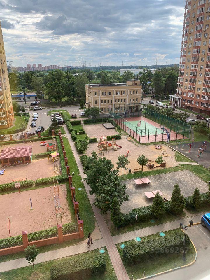 Аренда однокомнатной квартиры поселок ВНИИССОК, улица Михаила Кутузова 5, цена 32000 рублей, 2021 год объявление №1433025 на megabaz.ru