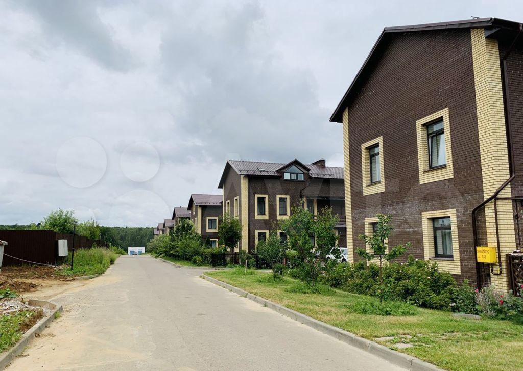 Продажа дома деревня Красное, Рябиновая улица 3/8, цена 7500000 рублей, 2021 год объявление №665536 на megabaz.ru