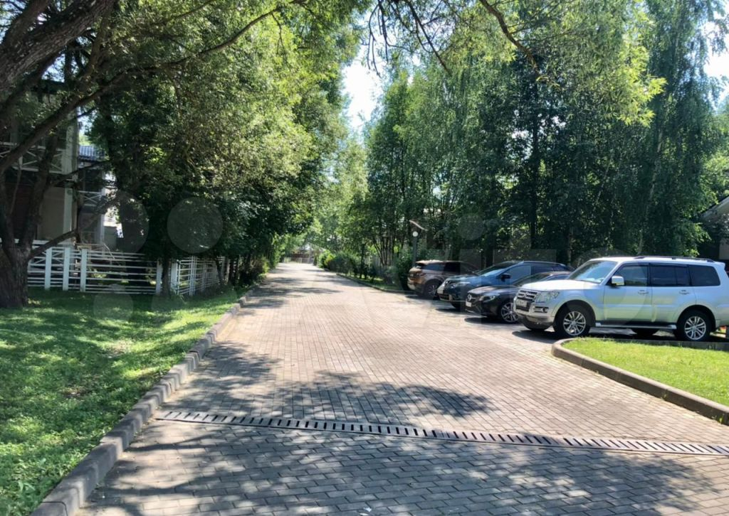 Продажа дома село Жаворонки, Восточная улица 1, цена 28000000 рублей, 2021 год объявление №648633 на megabaz.ru