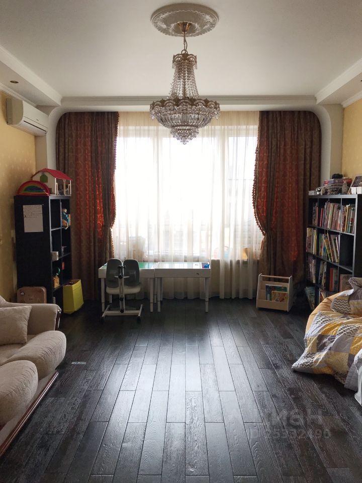 Продажа двухкомнатной квартиры Мытищи, метро Тверская, улица Комарова 4, цена 15990000 рублей, 2021 год объявление №645555 на megabaz.ru