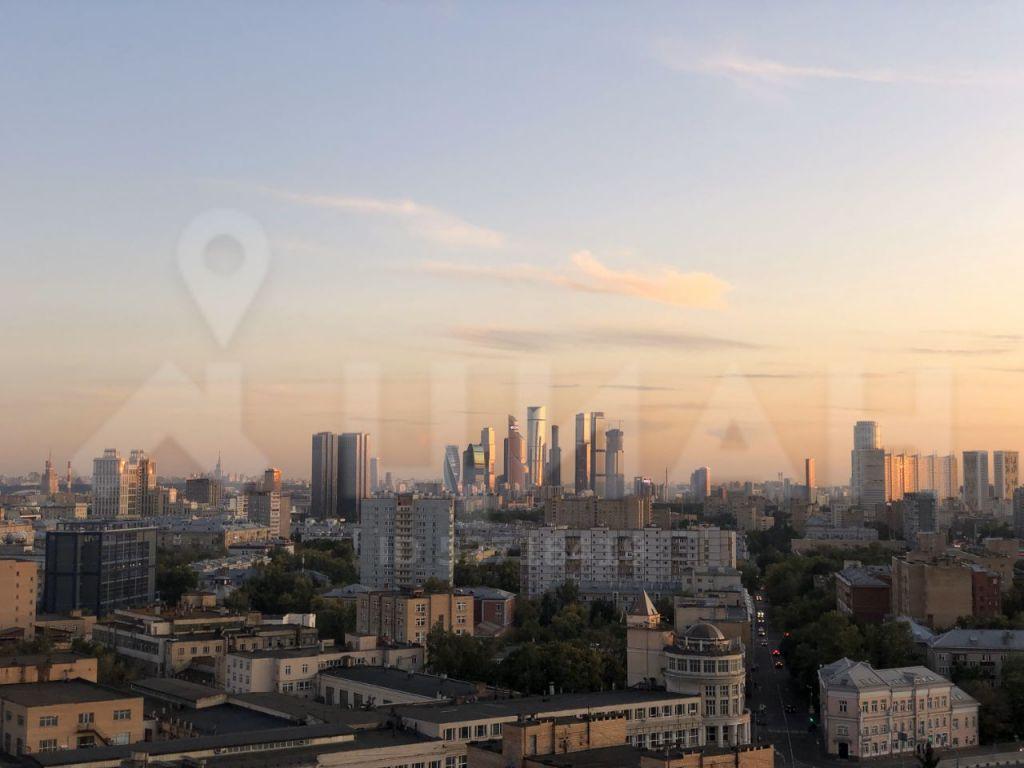 Аренда двухкомнатной квартиры Москва, метро Савеловская, 1-я Квесисская улица 9, цена 100000 рублей, 2020 год объявление №1059853 на megabaz.ru