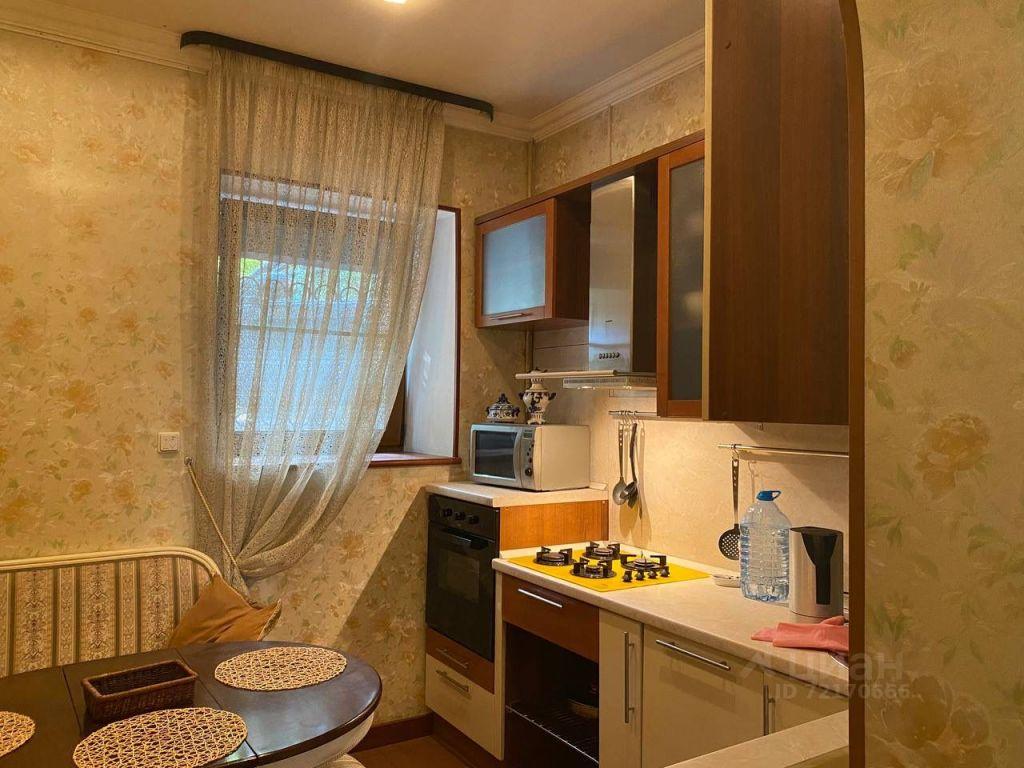 Аренда трёхкомнатной квартиры Москва, метро Арбатская, Филипповский переулок 9, цена 110000 рублей, 2021 год объявление №1414886 на megabaz.ru