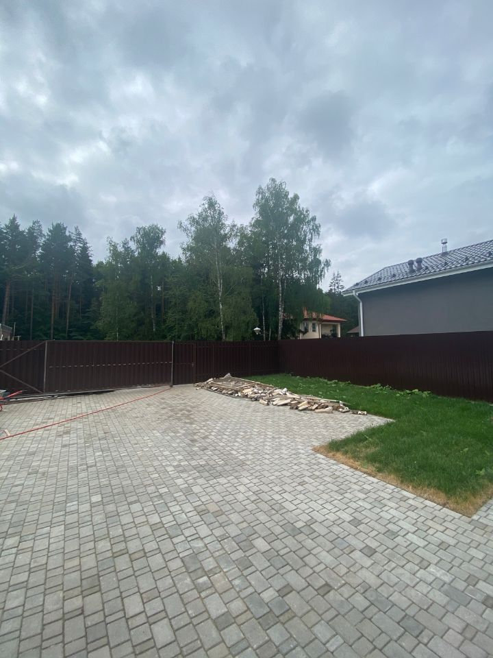 Продажа дома деревня Жуковка, Южная улица, цена 25500000 рублей, 2021 год объявление №643209 на megabaz.ru