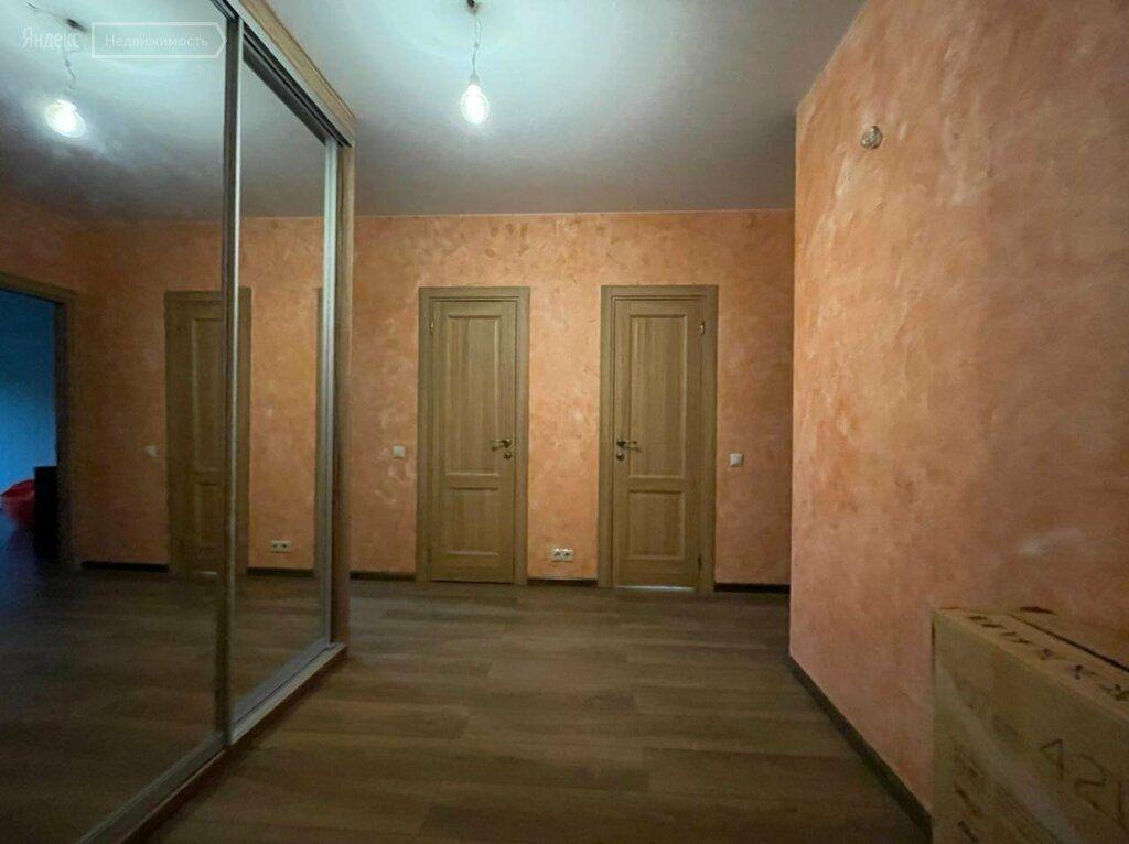 Аренда трёхкомнатной квартиры деревня Исаково, Рябиновая улица 11, цена 32000 рублей, 2021 год объявление №1418703 на megabaz.ru