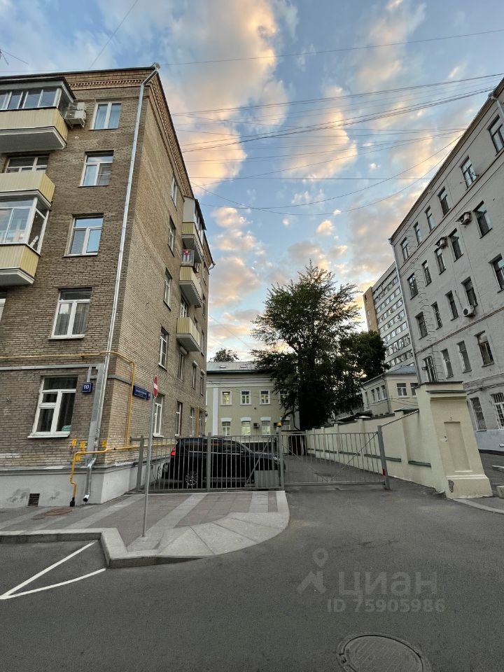 Аренда двухкомнатной квартиры Москва, метро Красные ворота, Большой Козловский переулок 10с1, цена 95000 рублей, 2021 год объявление №1417814 на megabaz.ru