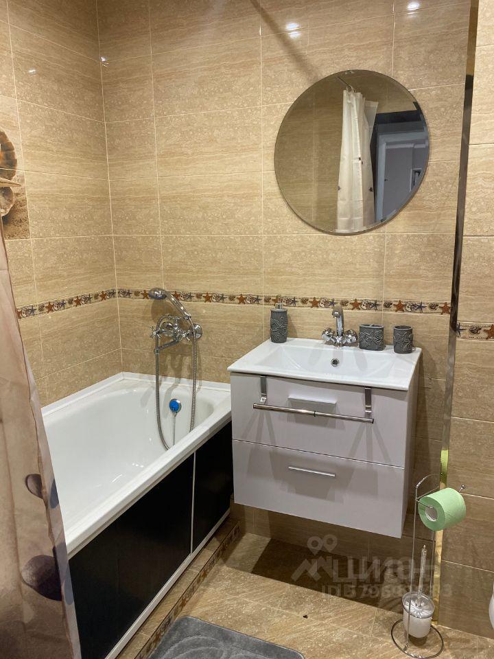 Продажа двухкомнатной квартиры Куровское, Коммунистическая улица 28, цена 2950000 рублей, 2021 год объявление №658642 на megabaz.ru