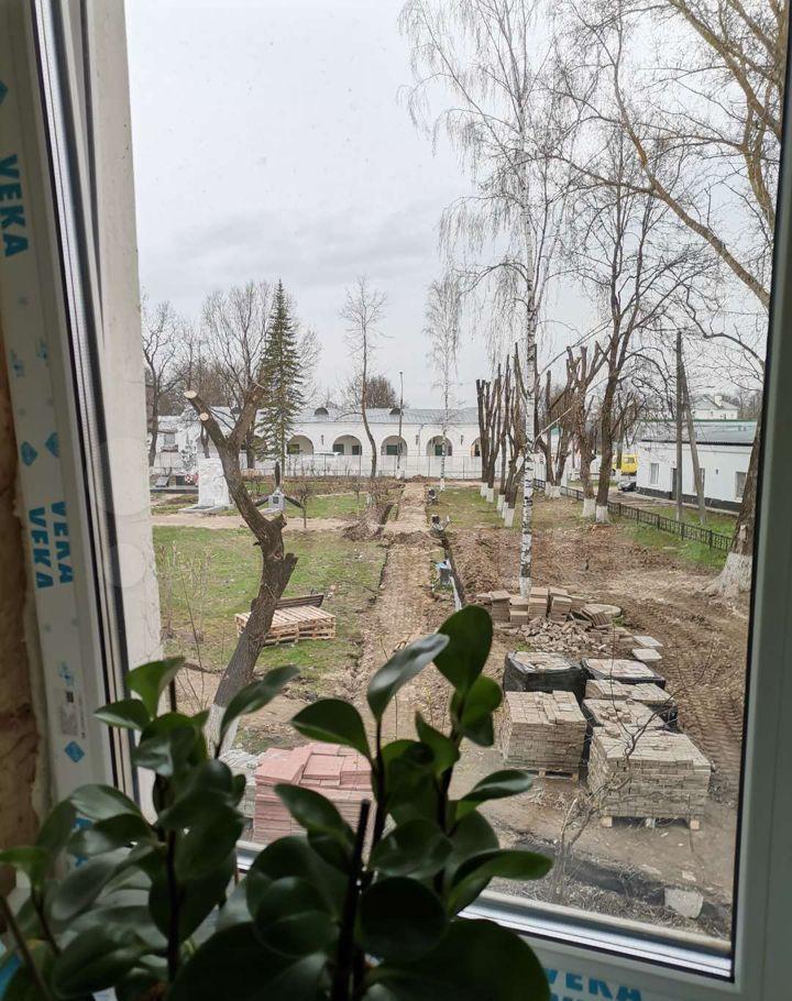 Аренда однокомнатной квартиры Верея, Советская площадь 5/5, цена 12000 рублей, 2021 год объявление №1387946 на megabaz.ru