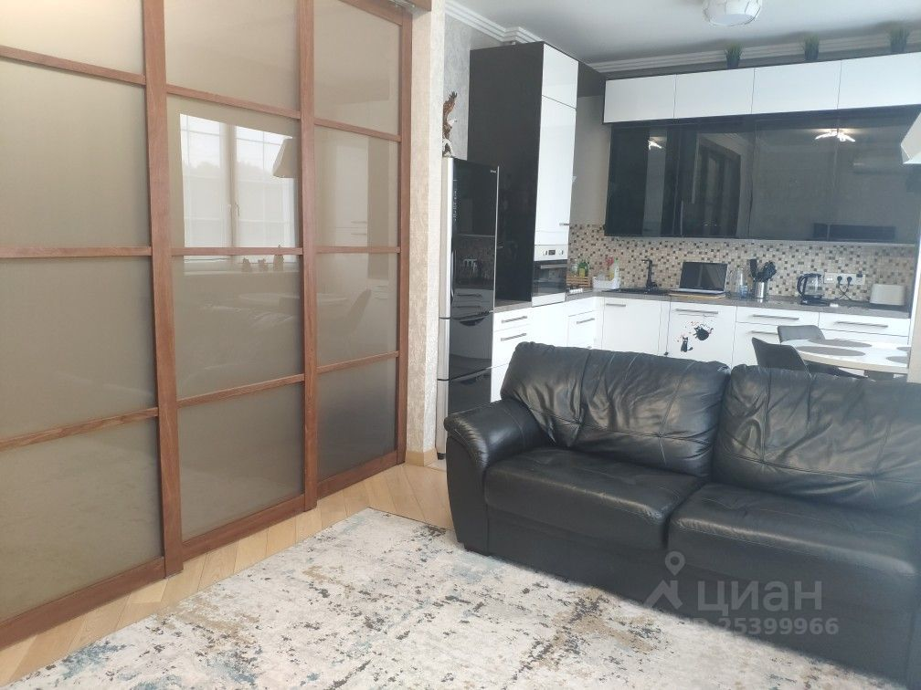 Продажа студии деревня Суханово, Парковая улица 4, цена 10500000 рублей, 2021 год объявление №651861 на megabaz.ru