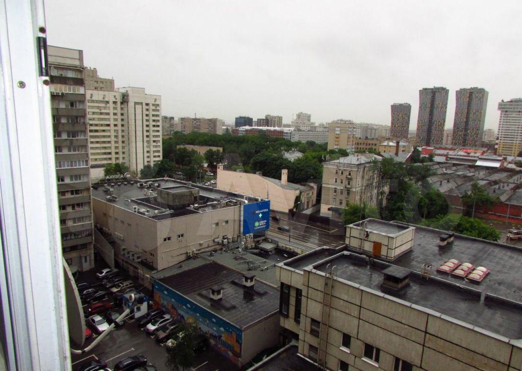 Аренда двухкомнатной квартиры Москва, метро Октябрьская, Калужская площадь 1к1, цена 65000 рублей, 2021 год объявление №1427022 на megabaz.ru