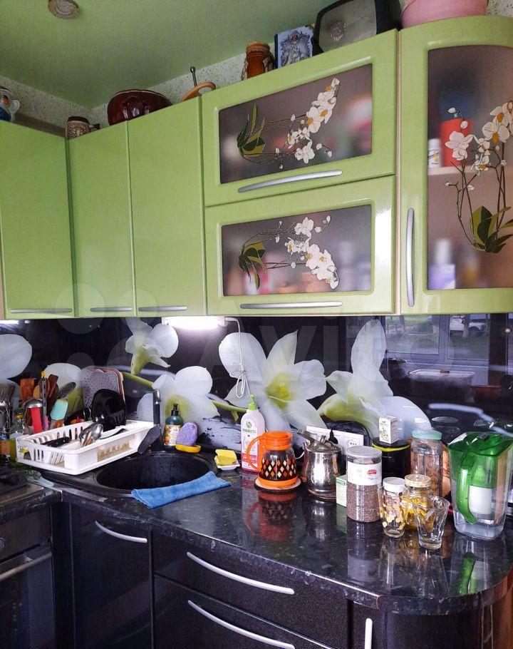 Продажа двухкомнатной квартиры поселок Кировский, цена 2600000 рублей, 2021 год объявление №637760 на megabaz.ru