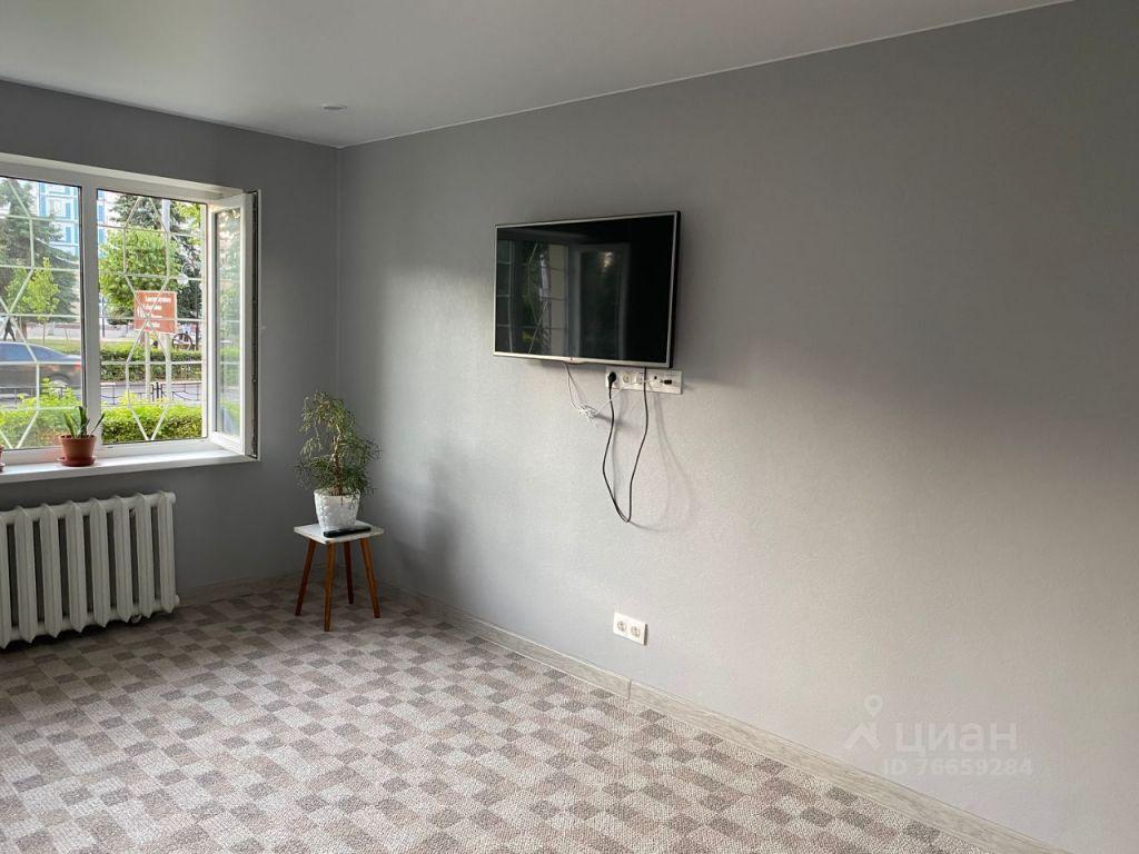 Аренда двухкомнатной квартиры Клин, улица Гагарина 51/2, цена 18000 рублей, 2021 год объявление №1427636 на megabaz.ru