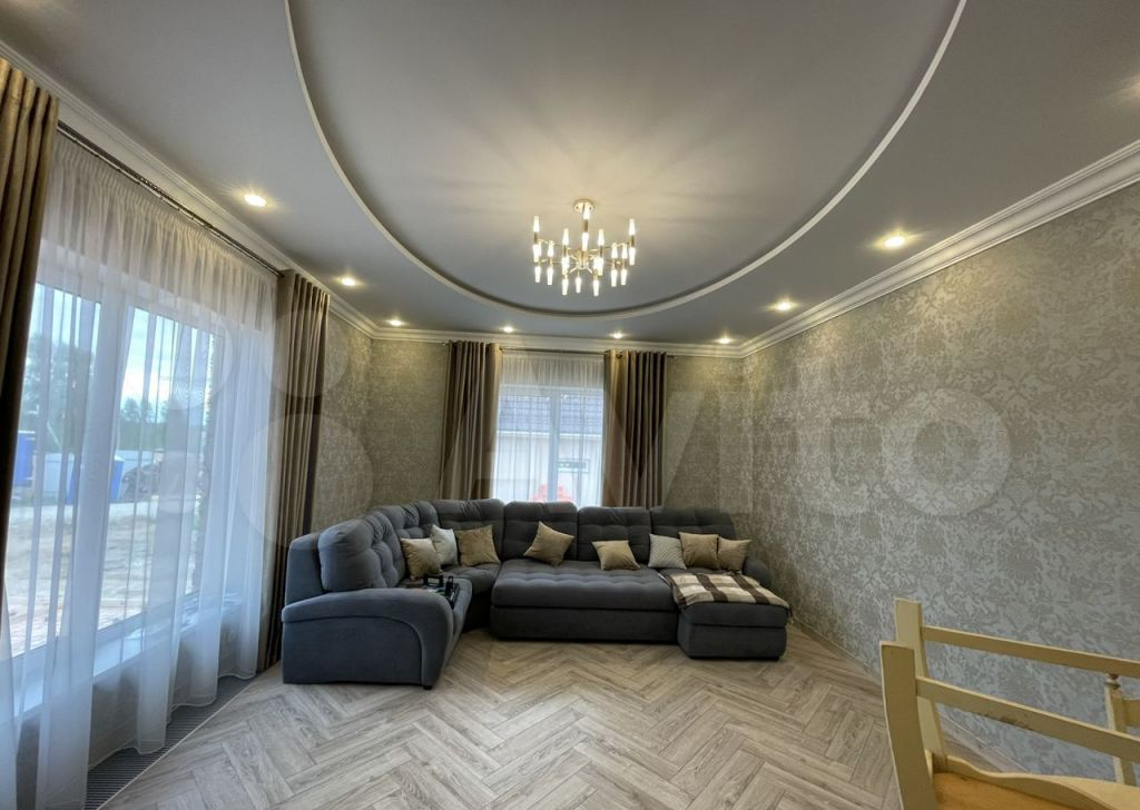 Продажа дома деревня Покров, Весенняя улица, цена 24000000 рублей, 2021 год объявление №624679 на megabaz.ru