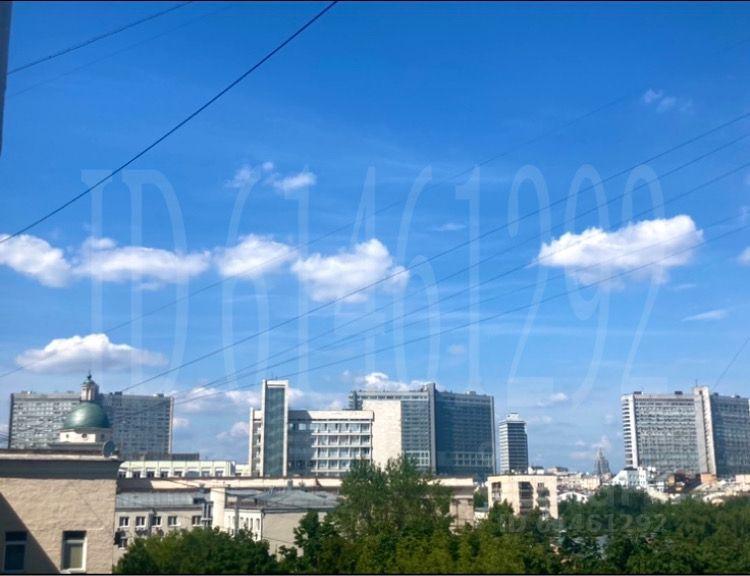 Продажа двухкомнатной квартиры Москва, метро Кропоткинская, Большой Власьевский переулок 10, цена 27500000 рублей, 2021 год объявление №642335 на megabaz.ru