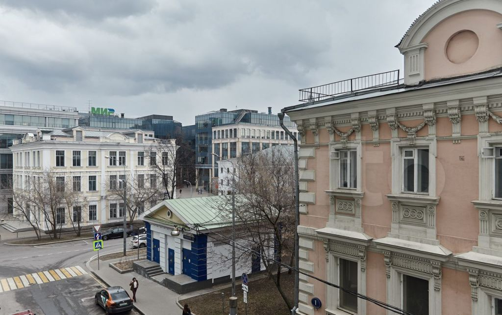Продажа двухкомнатной квартиры Москва, метро Новокузнецкая, Климентовский переулок 2, цена 49000000 рублей, 2021 год объявление №627785 на megabaz.ru