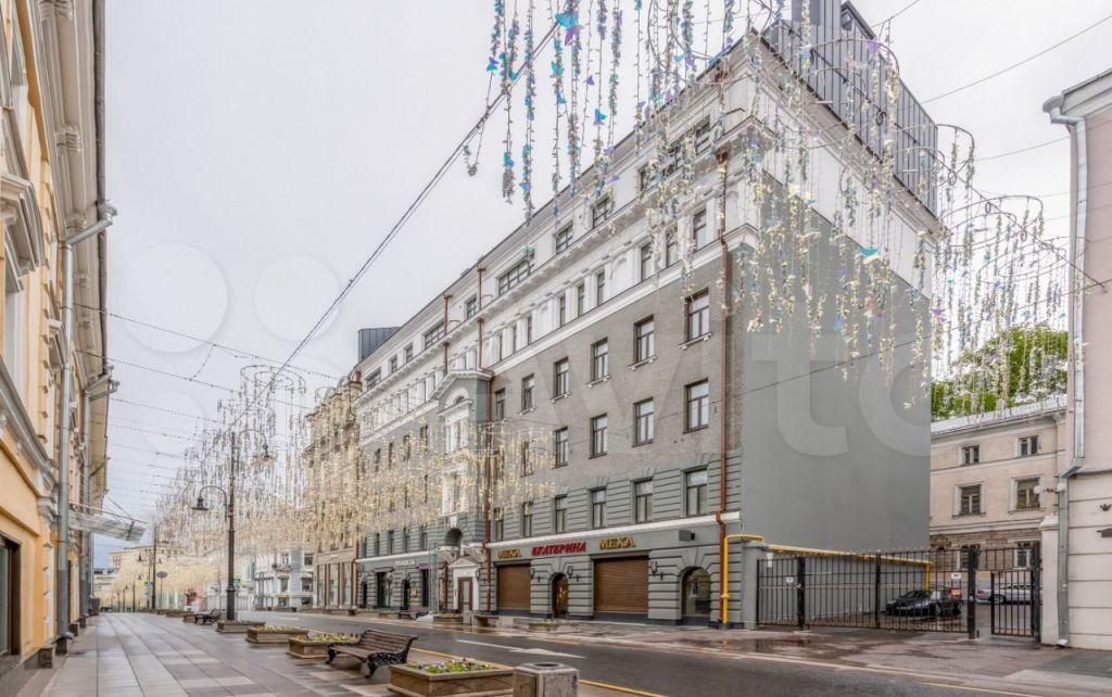 Продажа двухкомнатной квартиры Москва, метро Театральная, улица Большая Дмитровка 7/5с3, цена 32000000 рублей, 2021 год объявление №654784 на megabaz.ru