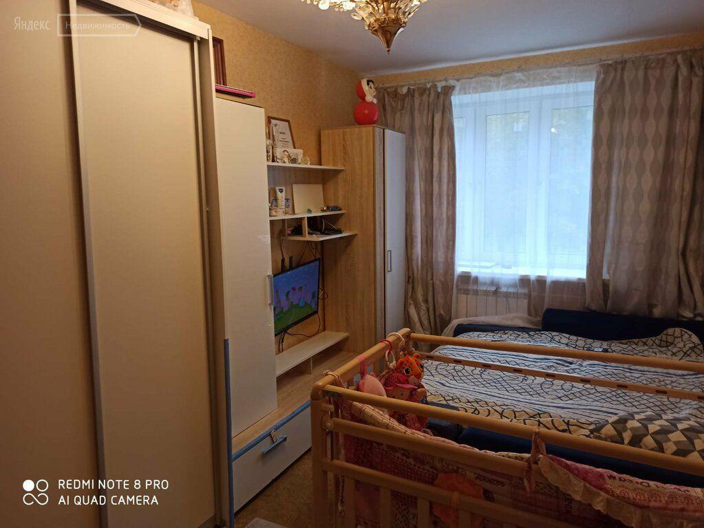 Продажа однокомнатной квартиры Высоковск, Большевистская улица 5, цена 2200000 рублей, 2021 год объявление №695781 на megabaz.ru