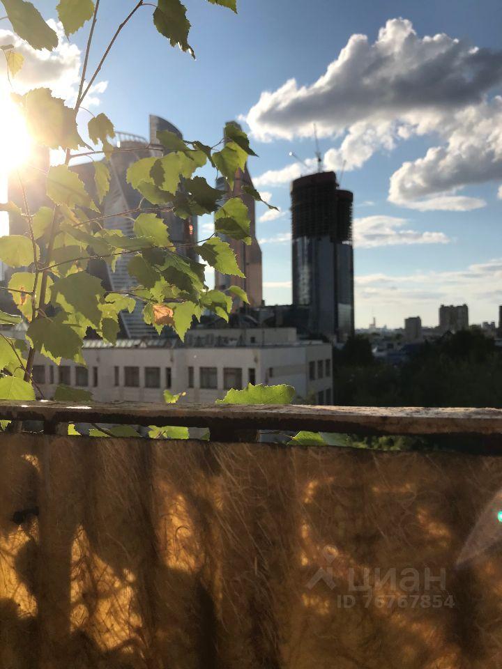 Продажа трёхкомнатной квартиры Москва, метро Выставочная, Кутузовский проспект 22, цена 28200000 рублей, 2021 год объявление №661218 на megabaz.ru