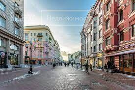 Продажа четырёхкомнатной квартиры Москва, метро Арбатская, Малый Николопесковский переулок 6, цена 49980000 рублей, 2021 год объявление №656349 на megabaz.ru