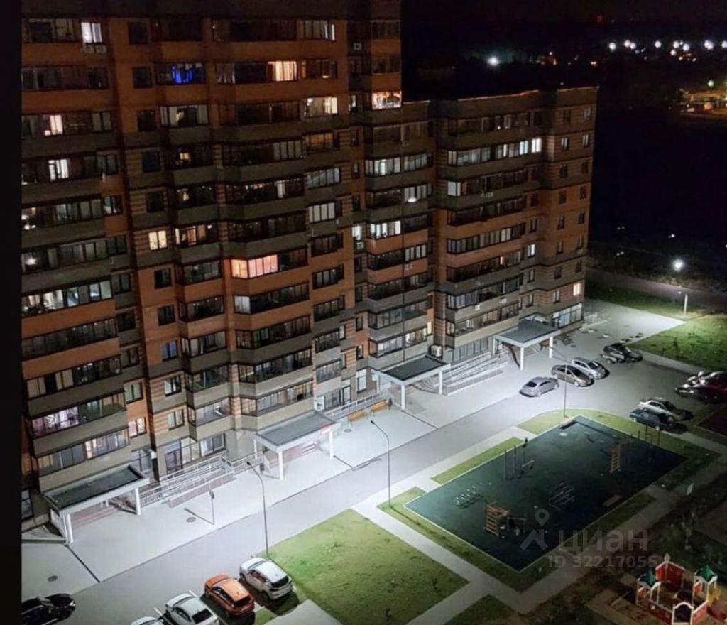 Аренда однокомнатной квартиры Клин, улица Чайковского 105к2, цена 20000 рублей, 2021 год объявление №1428971 на megabaz.ru