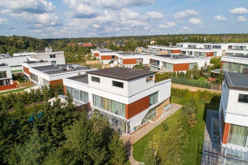 Продажа дома поселок Барвиха, Озёрная улица, цена 37000000 рублей, 2021 год объявление №651701 на megabaz.ru