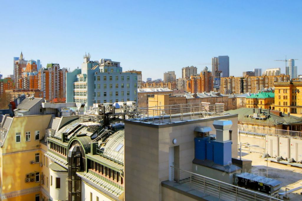 Аренда двухкомнатной квартиры Москва, метро Маяковская, Большая Садовая улица 5к1, цена 235000 рублей, 2021 год объявление №1420467 на megabaz.ru