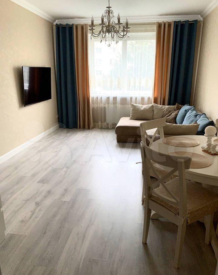 Продажа двухкомнатной квартиры поселок Володарского, Зелёная улица 42, цена 7490000 рублей, 2021 год объявление №682036 на megabaz.ru