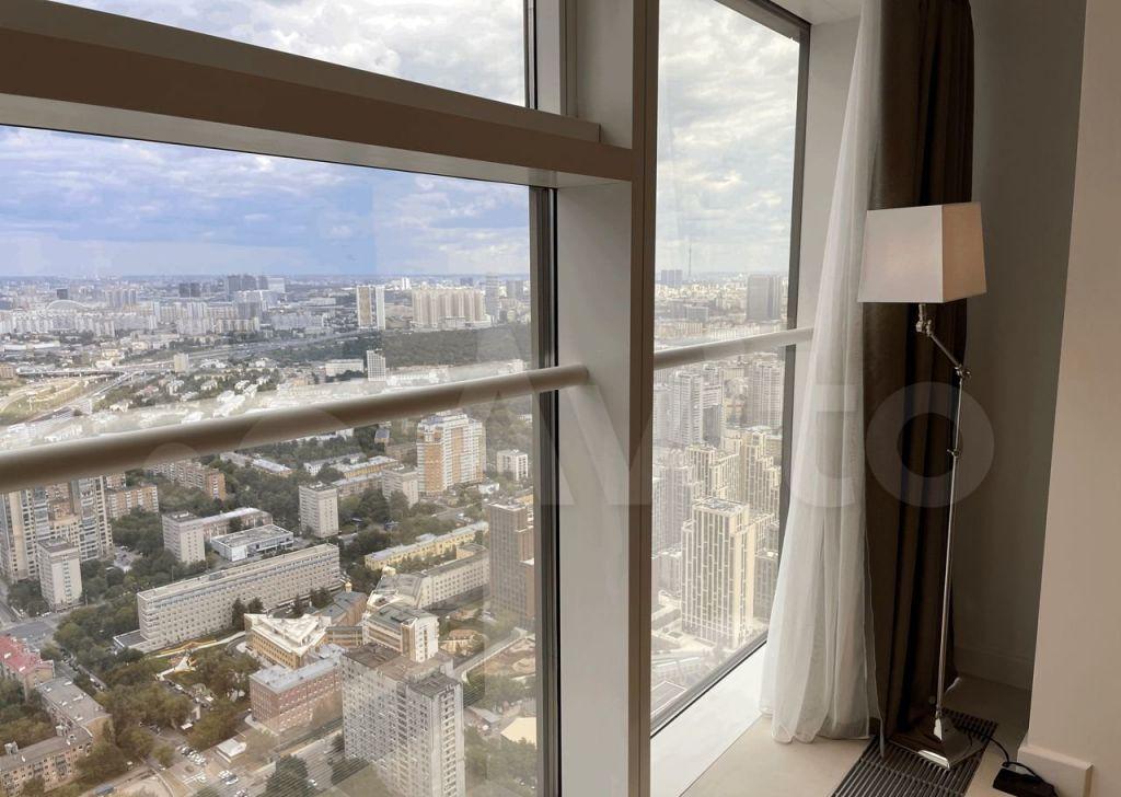 Аренда двухкомнатной квартиры Москва, метро Выставочная, 1-й Красногвардейский проезд 15, цена 300000 рублей, 2021 год объявление №1430574 на megabaz.ru