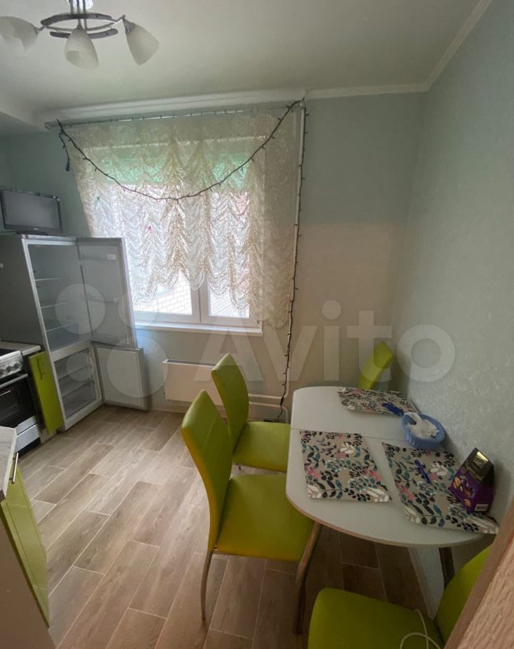 Аренда однокомнатной квартиры Лобня, улица Юности 13, цена 24000 рублей, 2021 год объявление №1430546 на megabaz.ru