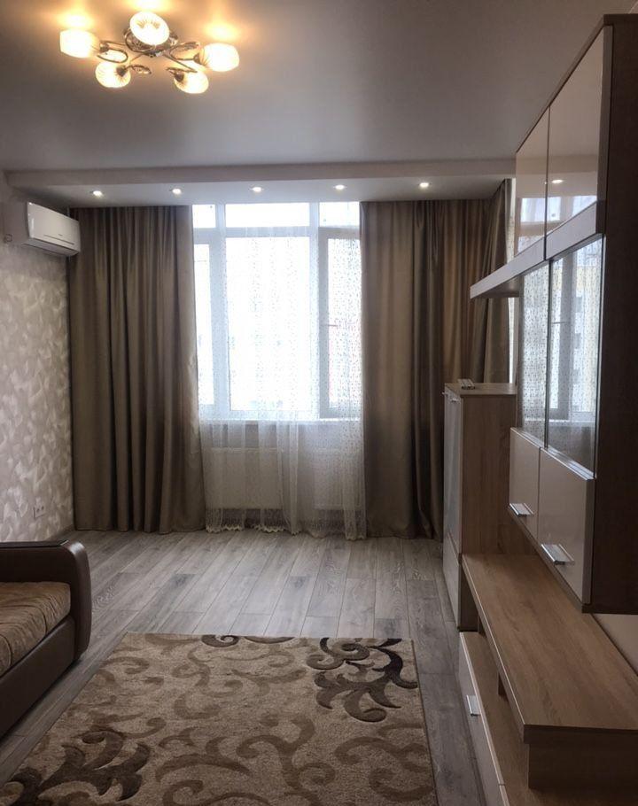 Аренда двухкомнатной квартиры деревня Чёрная, Садовая улица 2, цена 32000 рублей, 2021 год объявление №1101754 на megabaz.ru