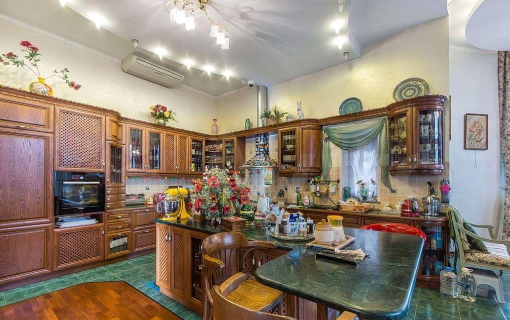 Продажа дома поселок Поведники, цена 249000000 рублей, 2021 год объявление №629978 на megabaz.ru