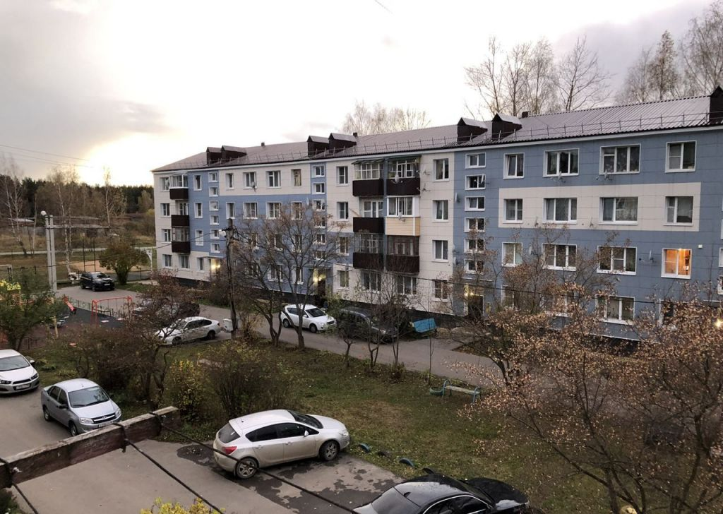 Аренда трёхкомнатной квартиры Волоколамск, улица Энтузиастов, цена 13000 рублей, 2021 год объявление №1247860 на megabaz.ru