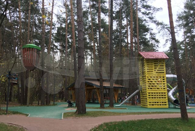 Аренда дома деревня Жуковка, Берёзовая улица, цена 85000 рублей, 2021 год объявление №1316545 на megabaz.ru