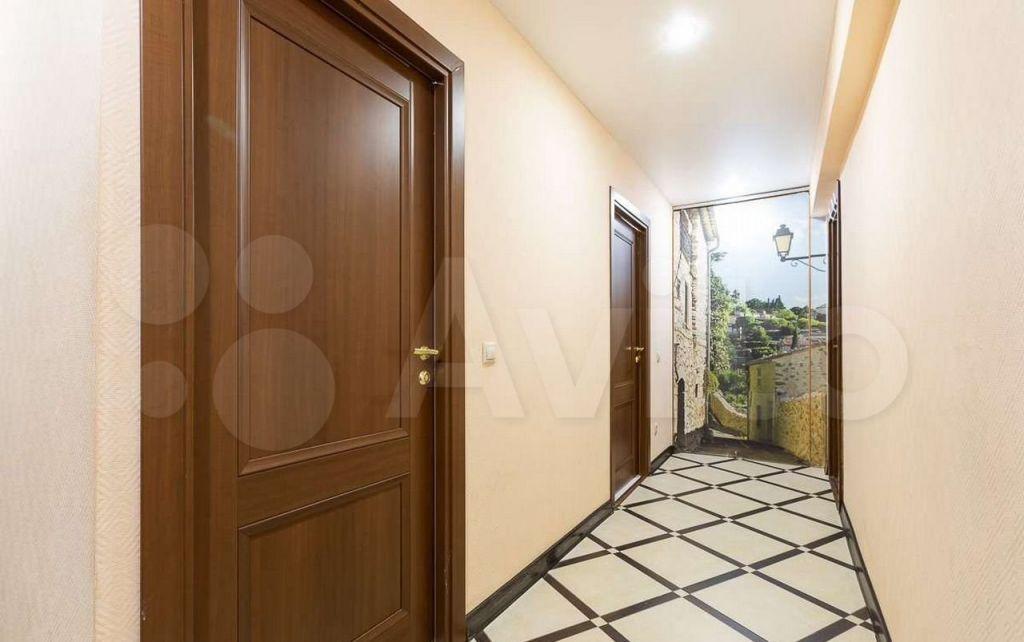 Продажа трёхкомнатной квартиры Москва, метро Чистые пруды, Гусятников переулок 9, цена 24000000 рублей, 2021 год объявление №619856 на megabaz.ru