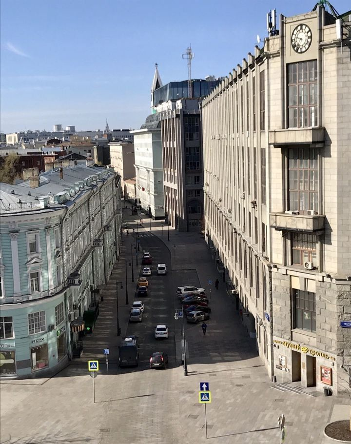 Аренда двухкомнатной квартиры Москва, метро Охотный ряд, Тверская улица 4, цена 2800 рублей, 2020 год объявление №1060614 на megabaz.ru