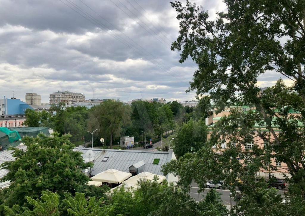 Продажа трёхкомнатной квартиры Москва, метро Чеховская, 2-й Колобовский переулок 2, цена 35000000 рублей, 2021 год объявление №654727 на megabaz.ru