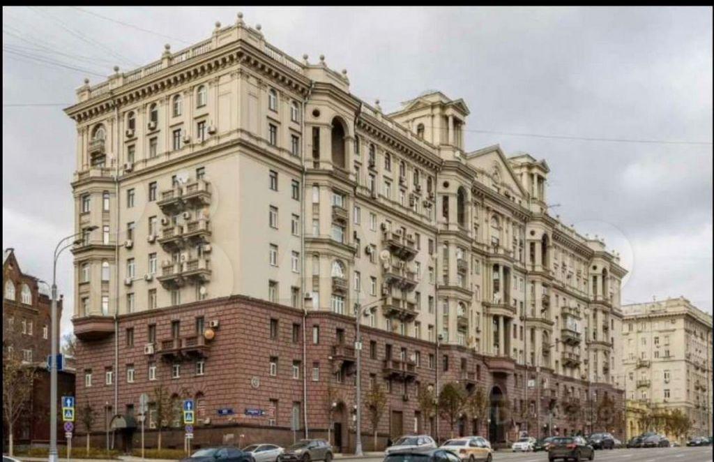 Продажа трёхкомнатной квартиры Москва, метро Чкаловская, улица Земляной Вал 46, цена 43000000 рублей, 2021 год объявление №679877 на megabaz.ru