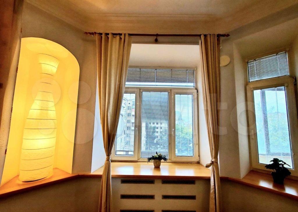 Аренда двухкомнатной квартиры Москва, метро Смоленская, улица Новый Арбат 23, цена 115000 рублей, 2021 год объявление №1474987 на megabaz.ru