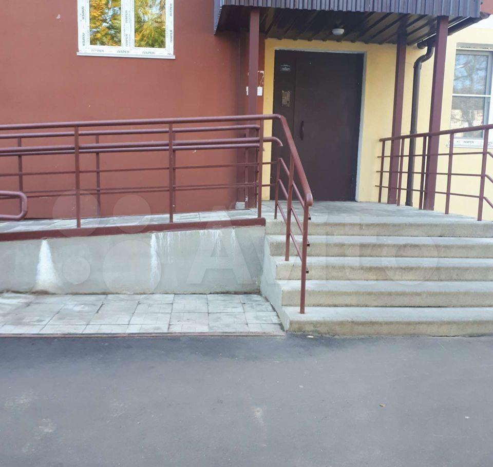 Аренда однокомнатной квартиры Высоковск, Большевистская улица 5, цена 12000 рублей, 2021 год объявление №1434600 на megabaz.ru