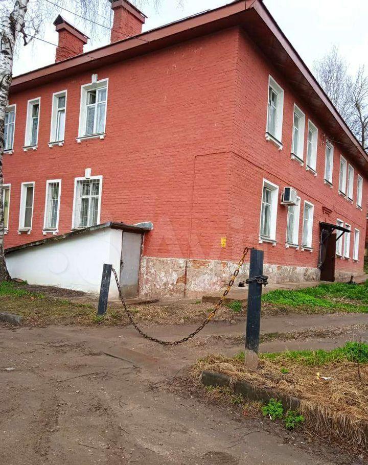 Продажа двухкомнатной квартиры Волоколамск, улица Панфилова 10, цена 2600000 рублей, 2021 год объявление №665023 на megabaz.ru