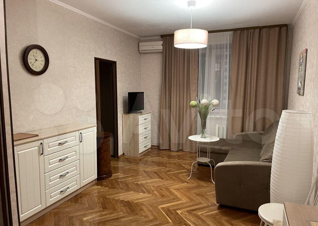 Аренда двухкомнатной квартиры Москва, метро Киевская, Брянская улица 12, цена 58000 рублей, 2021 год объявление №1460707 на megabaz.ru