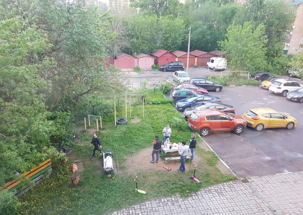 Аренда однокомнатной квартиры Звенигород, Спортивная улица 19, цена 27000 рублей, 2021 год объявление №1467039 на megabaz.ru