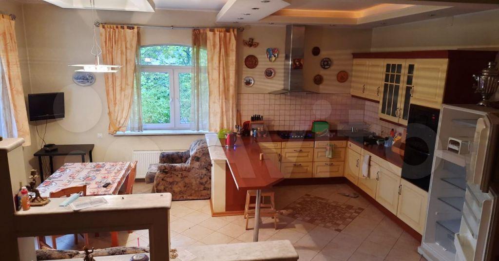 Аренда дома деревня Голиково, Центральная улица, цена 95000 рублей, 2021 год объявление №1482242 на megabaz.ru