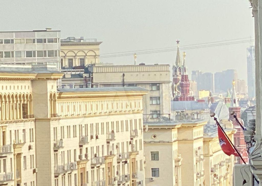 Продажа четырёхкомнатной квартиры Москва, метро Тверская, Тверская улица 15, цена 65000000 рублей, 2021 год объявление №692598 на megabaz.ru