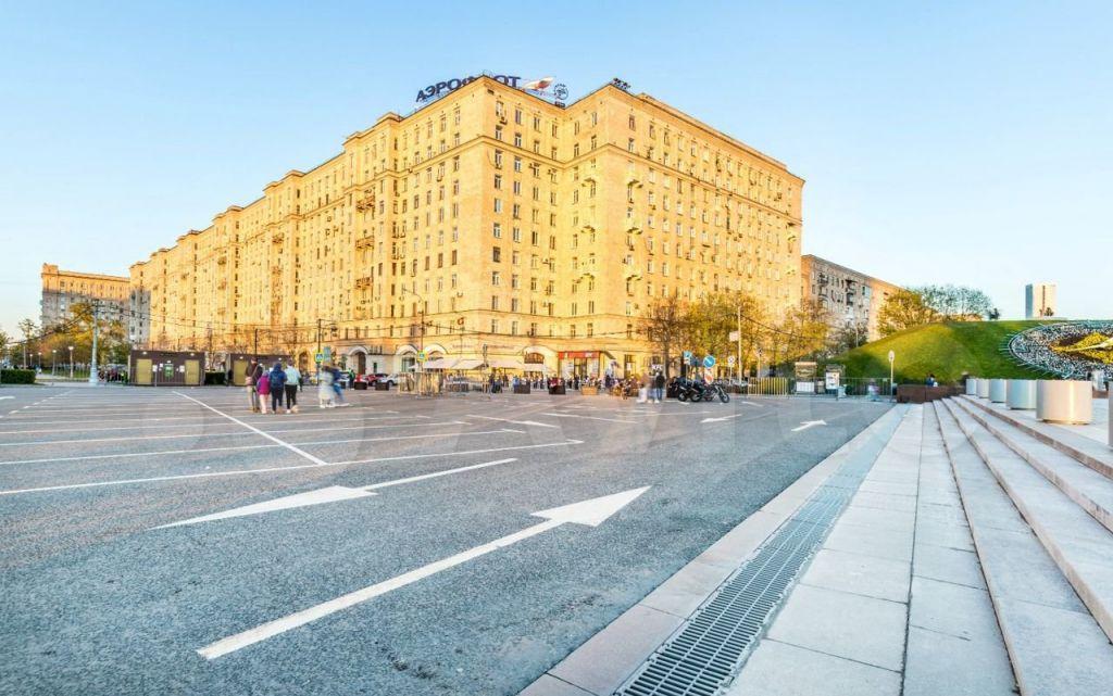 Аренда трёхкомнатной квартиры Москва, метро Парк Победы, улица Генерала Ермолова 2, цена 130000 рублей, 2021 год объявление №1468886 на megabaz.ru
