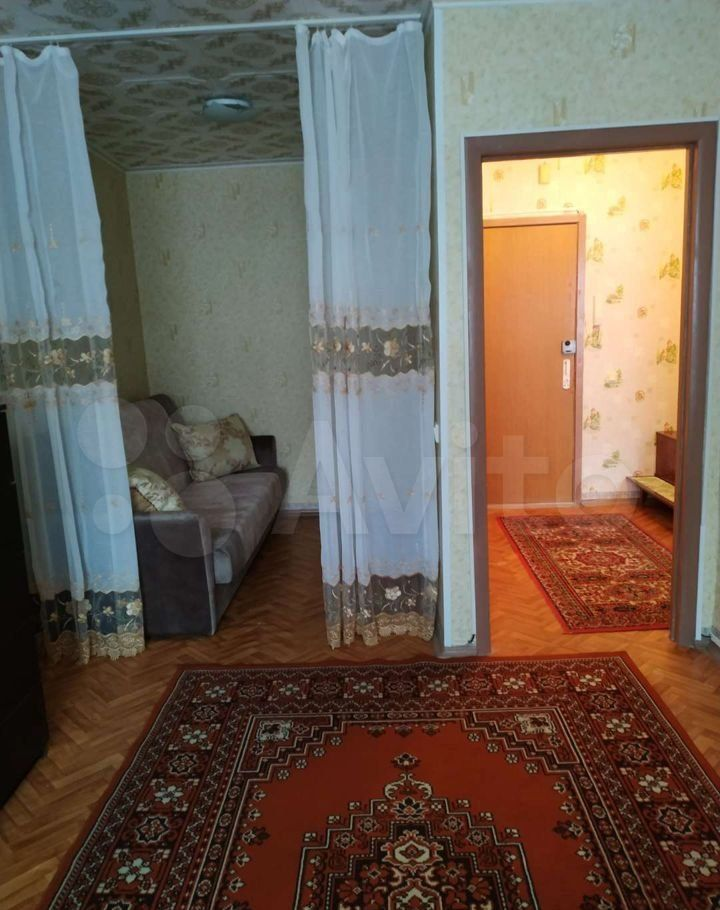 Аренда однокомнатной квартиры рабочий посёлок Нахабино, Красноармейская улица 52А, цена 25000 рублей, 2021 год объявление №1470658 на megabaz.ru