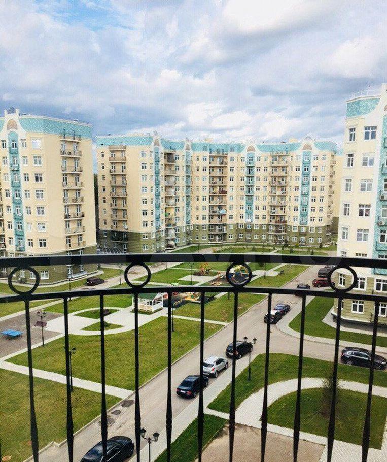 Аренда двухкомнатной квартиры поселок Ильинское-Усово, проезд Александра Невского 4, цена 41000 рублей, 2021 год объявление №1482239 на megabaz.ru