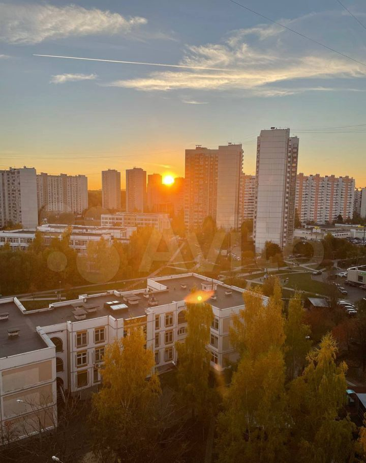 Аренда двухкомнатной квартиры Москва, метро Митино, Митинская улица 33к2, цена 65000 рублей, 2021 год объявление №1484658 на megabaz.ru